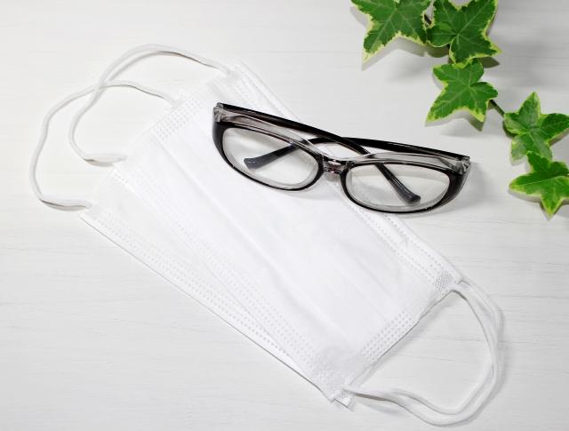 メガネが曇らないマスクのかけ方を聞かれました
