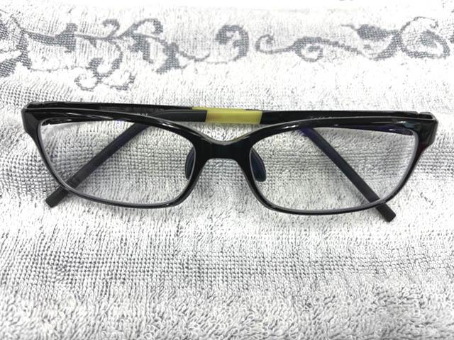 ブルーライトカットのメガネ、実は意味がなかった?!